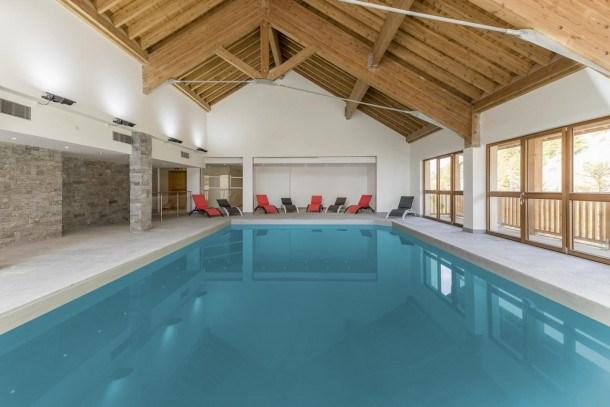Super duplex pied des pistes résidence standing avec piscine