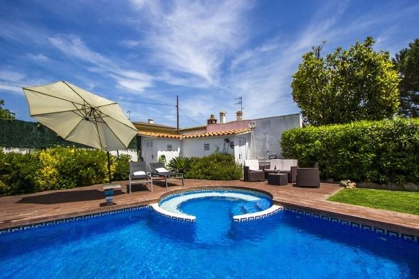 Catalunya Casas: Evocative Villa à Platja D'Aro, à seulement 5 minutes des plages de la Costa Brava!