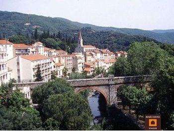 Location vacances Amélie-les-Bains-Palalda -  Appartement - 4 personnes - Cour - Photo N° 1