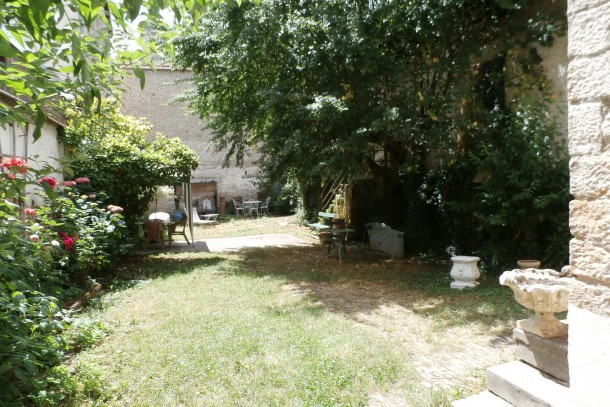 Location vacances Gray -  Maison - 7 personnes - Barbecue - Photo N° 1