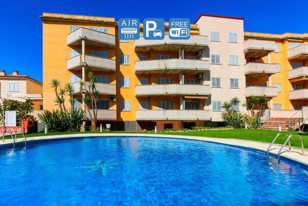 SILVIA Cambrils Apartment. Pool & Free WIFI