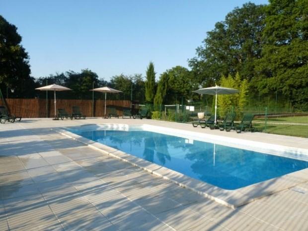 Conjunto de tres villas + piscina + tenis - La Caillère-Saint-Hilaire
