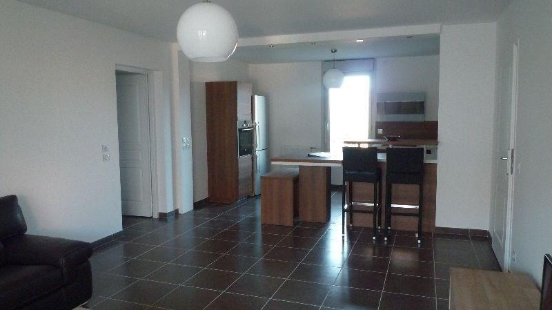 Ce logement tout neuf vous offre confort et proximité du quartier historique d'Annecy.