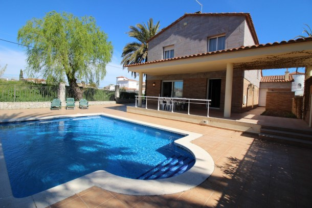 0145-PANI House at the canal with pool and mooring