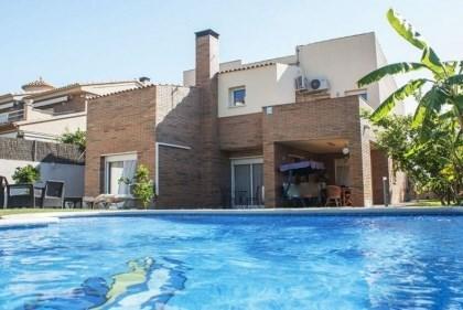Villa CV MONIL