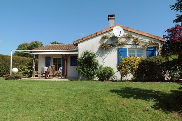 Location vacances Les Forges -  Maison - 6 personnes - Terrasse - Photo N° 1