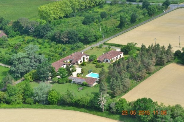 LODGINGS with swimming pool 3 ears FIELD OF PATCHO - Barcelonne du Gers