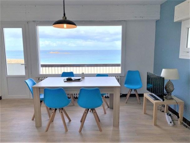 Appartement avec belle vue mer face à la plage à PERROS-GUIREC
