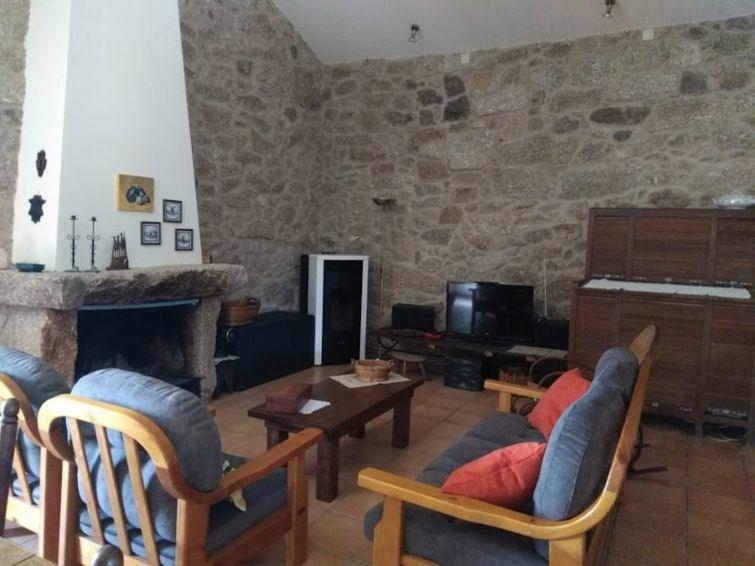 Location vacances Guarda -  Maison - 6 personnes -  - Photo N° 1