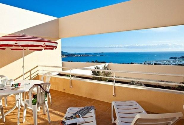 BandolLa Résidence Le Bosquet possède 74 studios très confortables et spacieux.