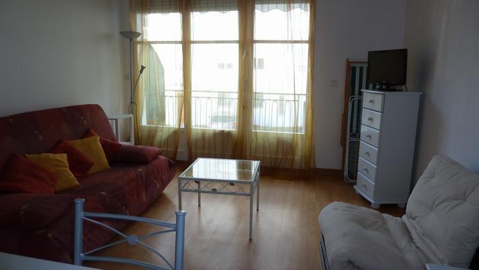 Location vacances Bagnères-de-Luchon -  Appartement - 5 personnes - Salon de jardin - Photo N° 1