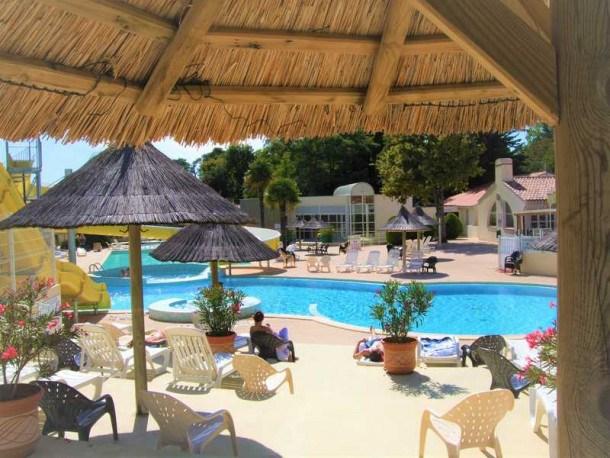 Location vacances Saint-Hilaire-de-Riez -  Maison - 6 personnes - Court de tennis - Photo N° 1