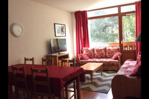 Salon avec canapé 2 lits Gigognes