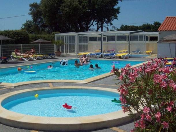 Location vacances Vairé -  Maison - 6 personnes - Salon de jardin - Photo N° 1