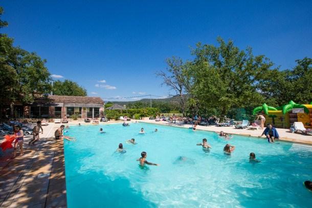 Location vacances Saint-Saturnin-lès-Apt -  Maison - 6 personnes - Salon de jardin - Photo N° 1