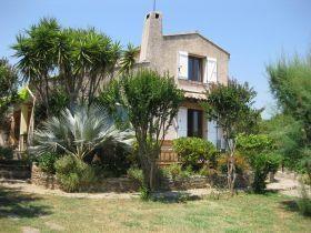 Location vacances La Londe-les-Maures -  Chambre d'hôtes - 4 personnes - Salon de jardin - Photo N° 1