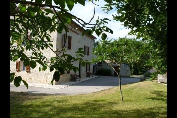 Location vacances Cestayrols -  Maison - 6 personnes - Barbecue - Photo N° 1