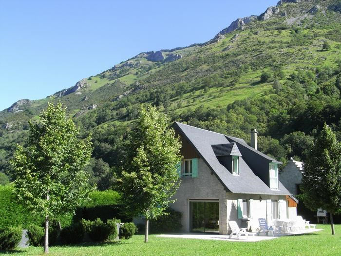 Location vacances Campan -  Maison - 10 personnes - Barbecue - Photo N° 1