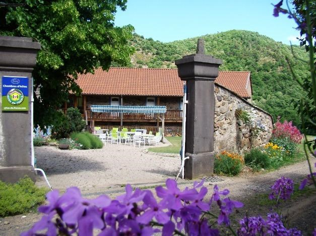 Location vacances Blesle -  Chambre d'hôtes - 16 personnes - Jardin - Photo N° 1