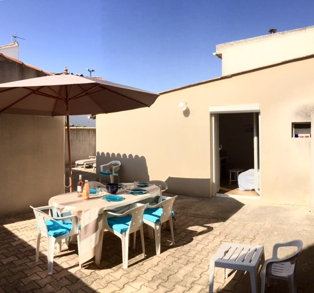 APPARTEMENT 5 PERS, 20 M DE LA MER, COUR PRIVEE, BARBECUE, 2 CHAMBRES