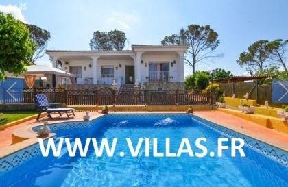 Villa CV BETTYNA