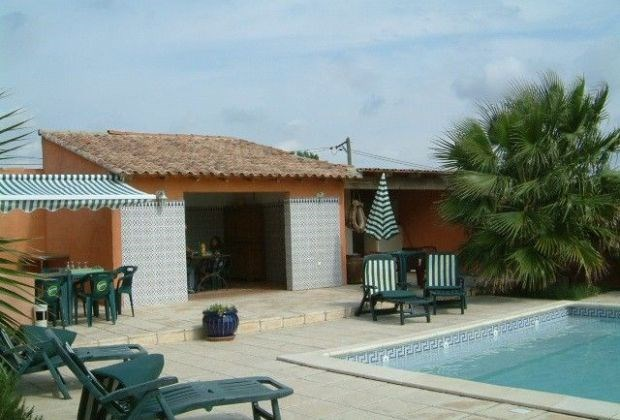 La Palmeraie is a very typical country house, situated near Arles (Provence-Alpes-Côte d'Azur)...