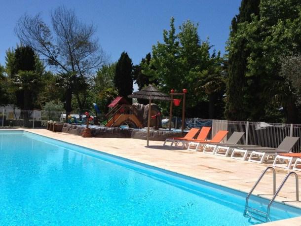 Location vacances Le Château-d'Oléron -  Maison - 6 personnes - Jeux d'extérieurs - Photo N° 1