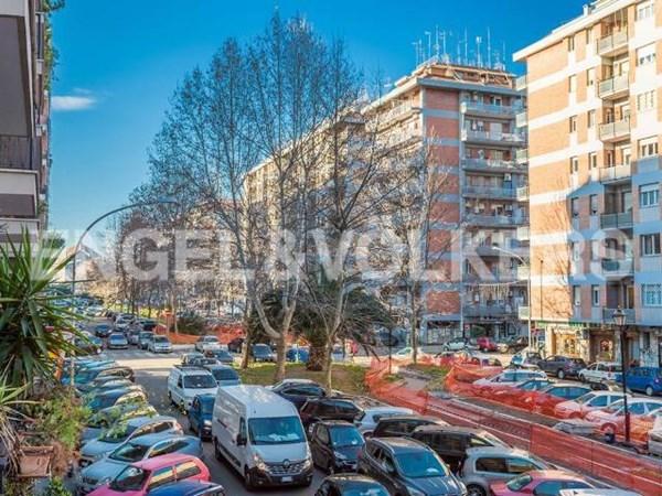 Vente Appartement 4 pièces 121m² Roma