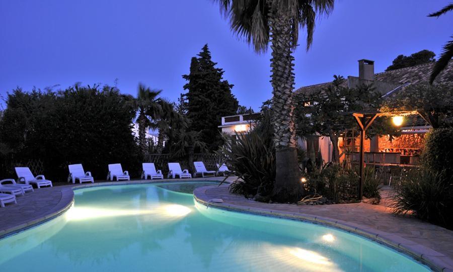 Location vacances Argeliers -  Maison - 16 personnes - Barbecue - Photo N° 1