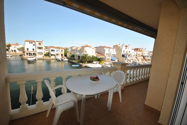 Location vacances Castelló d'Empúries -  Appartement - 4 personnes - Terrasse - Photo N° 1