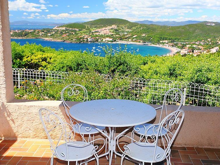 Holiday rentals Saint-Raphaël - House - 6 persons - BBQ - Photo N° 1