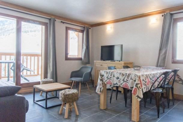 Location vacances Lanslebourg-Mont-Cenis -  Appartement - 6 personnes - Télévision - Photo N° 1