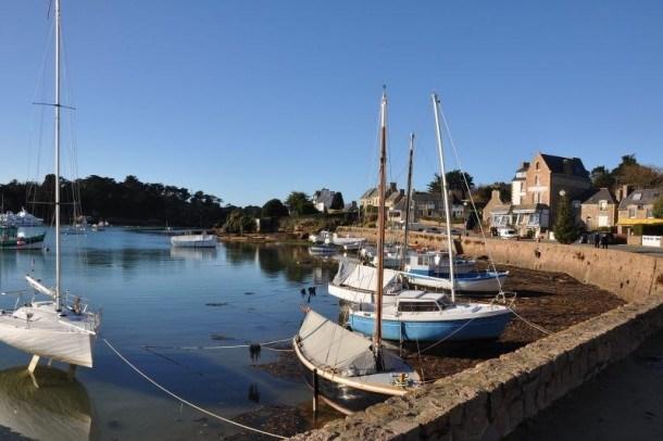 Maison à 50m du port pittoresque de plaisance de Ploumanac'h à PERROS-GUIREC