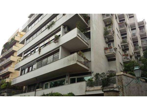 Vente Appartement 6 pièces 208m² Roma