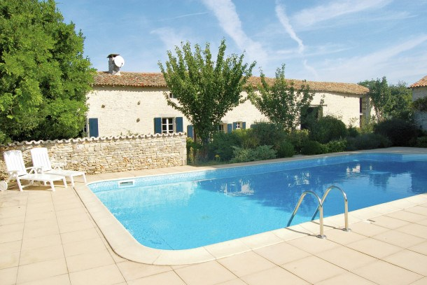 Location vacances Saint-Macoux -  Maison - 6 personnes - Barbecue - Photo N° 1