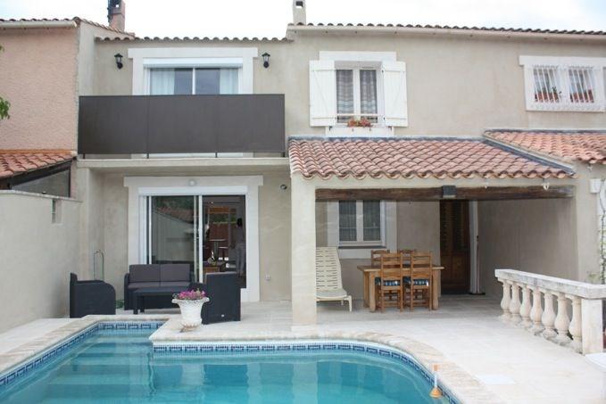 Chantegride est une ravissante et luxueuse petite maison de vacances située à 1,5km de la ville bien connue de Cavail...