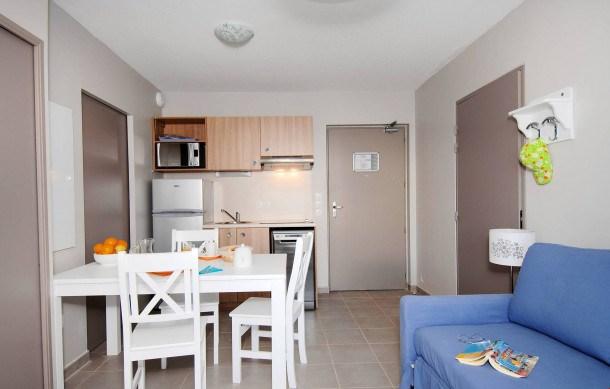 Location vacances La Londe-les-Maures -  Appartement - 2 personnes - Congélateur - Photo N° 1