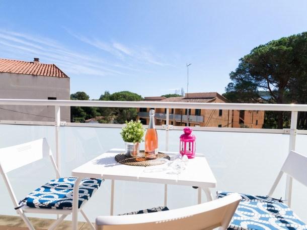Cozy flat LA FOSCA 5min to the beach, pool parking