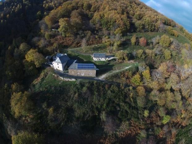 Les Tarrides de Coubisou, gite au cœur de la nature, rivière à truites sur la propriété, randonnées, drone possible -...