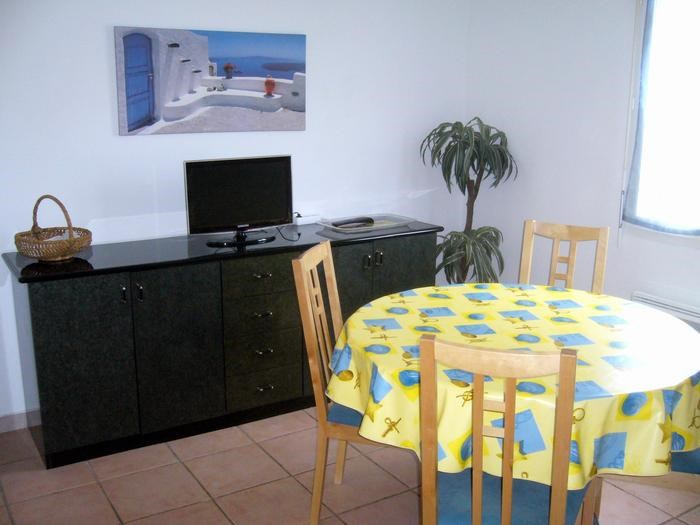 Location vacances Valras-Plage -  Appartement - 4 personnes - Barbecue - Photo N° 1