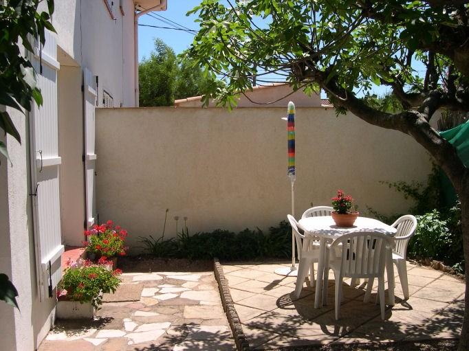 Apprt du rez de chaussée: sa terrasse