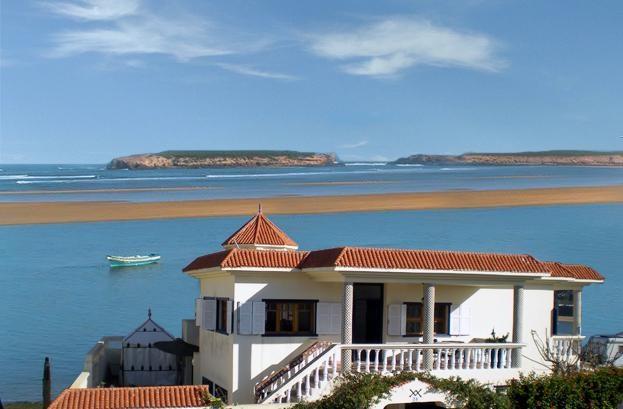 Somptueuse Villa Bord de Mer sur la plage