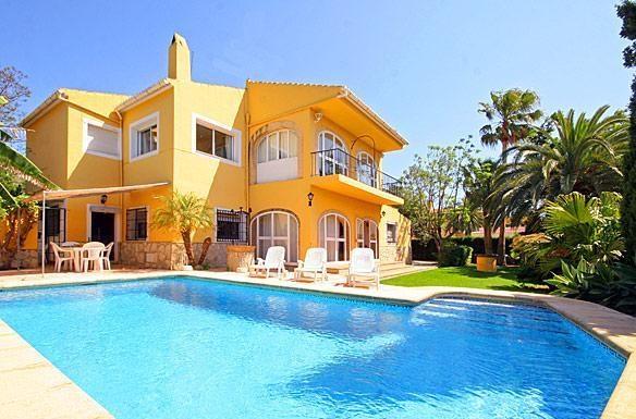 Villa située dans un endroit tranquille de Javea.