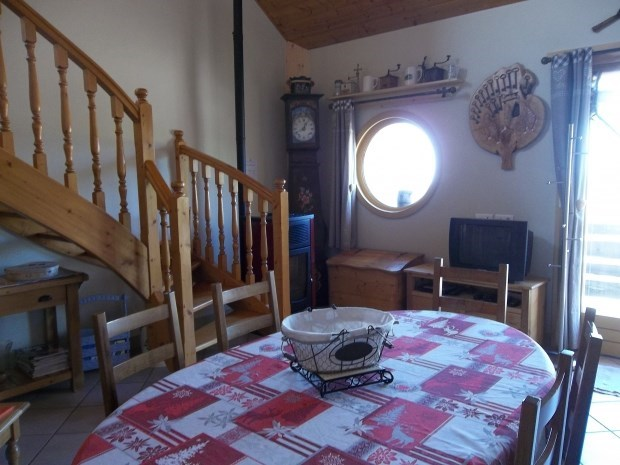 "Recent lodging ""Le chant du coq"" from 2 - Bief-des-Maisons"