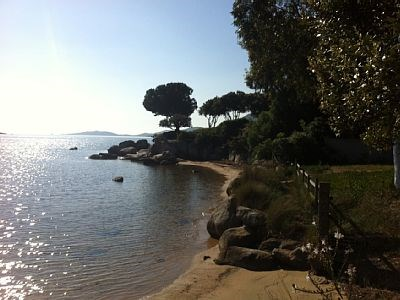 Villa 2CHS, 2SDB à 50 m de la mer à Porto-Vecchio