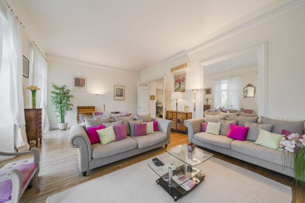 Wonderful bourgeois 2 bedrooms heart of Cannes!!