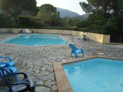 PISCINE RESIDENCE A PARTAGER