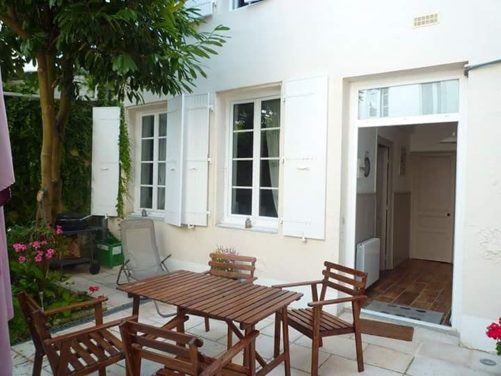 Holiday rentals Rochefort - House - 4 persons - BBQ - Photo N° 1