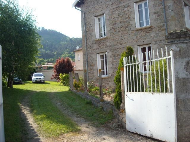 Location vacances Bas-en-Basset -  Maison - 6 personnes - Barbecue - Photo N° 1