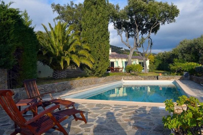 Villa pour 7 personnes. Vue panoramique mer et piscine.